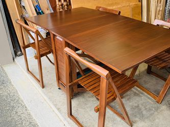 Beautiful Mid Century Modern Drop Leaf Mahogany Dining Table Set/ Folding Chairs for Sale in Mukilteo,  WA