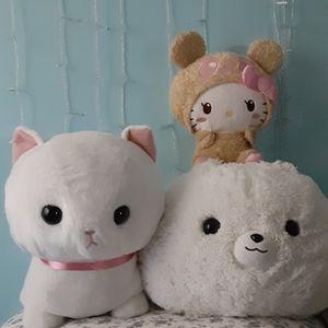 Hello Kitty And big Amuse Plushys for Sale in Vernon, CA