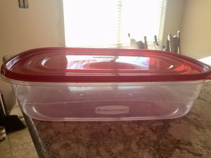 Never been used Rubbermaid storage container for Sale in St. Louis, MO