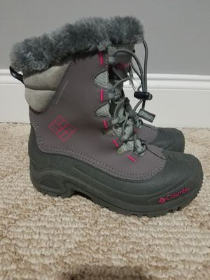 Girls columbia snow boots (kids size 4) for Sale in Sterling, VA