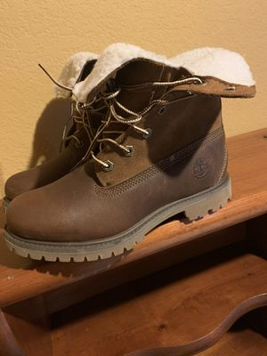 Timberland boots women size 6.5 for Sale in Hayward, CA