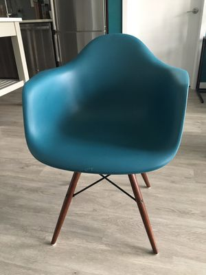 Teal Accent / Desk Chair for Sale in Silver Spring, MD
