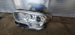 2016 16 2017 17 2018 18 toyota Tacoma Headlight for Sale in Arlington, TX