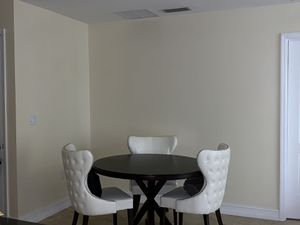 Round dining table- seats 4 *Chairs not included for Sale in West Palm Beach, FL