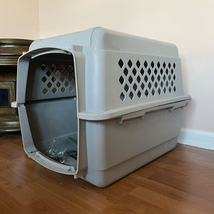 Small To Medium Size Dog Crate for Sale in Stafford, VA