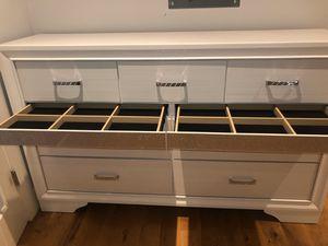 Bedset /dresser for Sale in Tamarac, FL