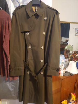Burberry westminster trench coat new for Sale in Tampa, FL