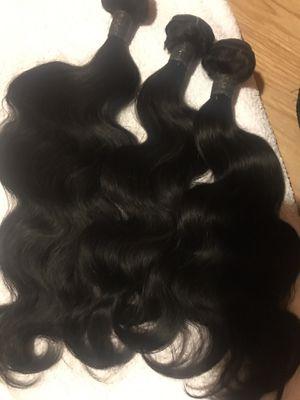 3 bundle deal 18,20,20 body wave black . for Sale in Las Vegas, NV