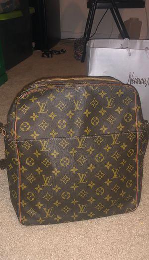 Louis Vuitton vintage shoulder bag for Sale in Glen Allen, VA