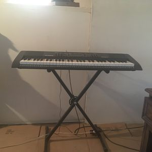 Piano Keyboard for Sale in Paterson, NJ