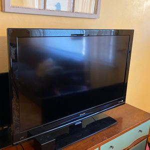 "42"" Sharp Tv for Sale in Norfolk, VA"