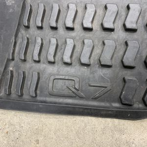 2007-2014 Audi Q7 Weather Mats for Sale in Yucaipa, CA