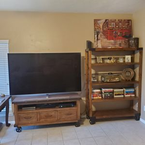 Taos TV Console/Stand for Sale in Houston, TX