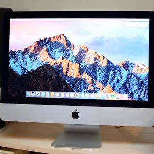 IMac (21.5inch Late 2013. In Mint Condition (wireless Keybord And Mouse Included. for Sale in Stafford, VA