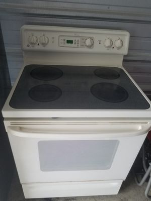 Spectra Glasstop Stove and Matching Color Whirlpool Over Stove Microwave for Sale in Columbus, OH