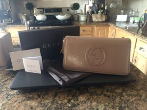 Gucci Patent Calfskin Soho Zip Around Wallet Porcelin Rose for Sale in Paterson, NJ
