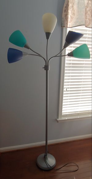 Floor lamp for Sale in Leesburg, VA