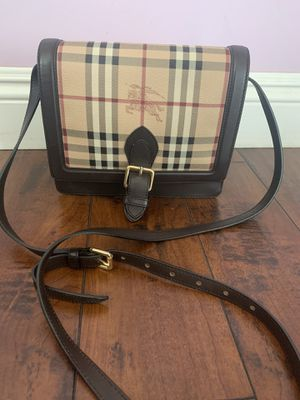 VINTAGE BURBERRY MESSENGER BAG for Sale in Glendale, CA
