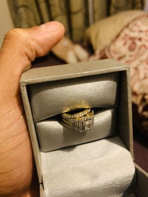 Ladies engagement ring with band for Sale in Alafaya, FL
