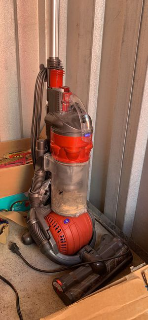 Nice working dyson vacuum for Sale in St. Peters, MO