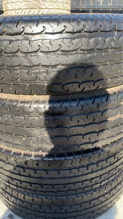 235/85/16 set of four tires good condition trailer tires for Sale in San Diego,  CA