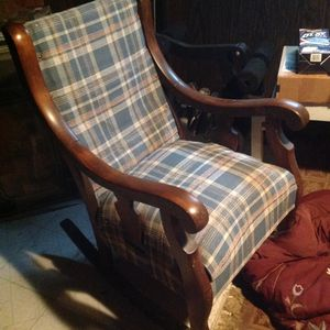Free Rocking chair for Sale in Pittsburgh, PA