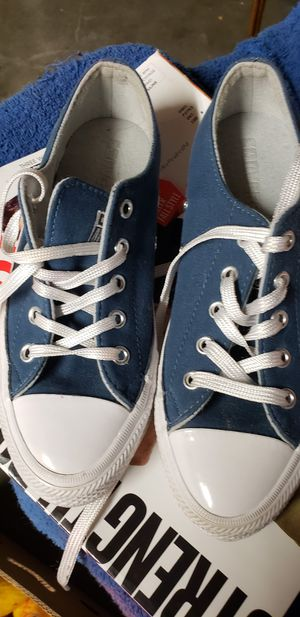 Converse like new sixe 5 for Sale in Las Vegas, NV