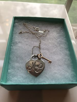 Tiffany & Co Hearts Mom Tag with Key Necklace for Sale in Milwaukee, WI