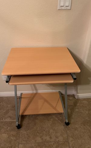 Computer desk for Sale in Las Vegas, NV