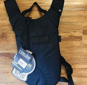 Camelbak 70oz maximum gear black hydration backpack for Sale in Hawthorne, CA