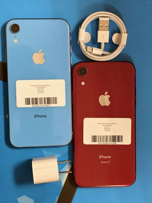 Factory unlocked apple iphone Xr 64 gb, store warranty! for Sale in Boston, MA