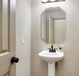 Bathroom Pedestal (Mirror and Faucet Included) for Sale in Fort Worth,  TX
