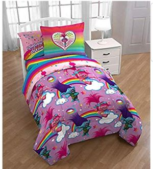 2 sets of Trolls 5 PC bedding for Sale in Haslet, TX