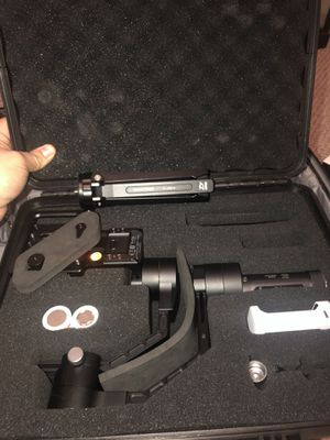 Zhiyun Crane V2 motorized gimbal with stand for Sale in Sevierville, TN