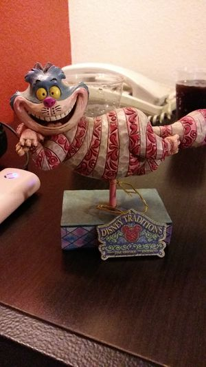 Grinning Cheshire Walt Disney showcase collection figurine for Sale in Humble, TX