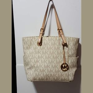 Michael Kors Jet Set Logo Tote for Sale in Portland, OR