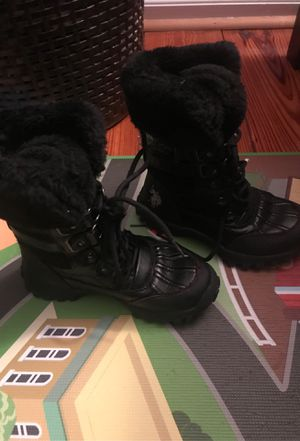 Snow boots toddler size 12c for Sale in Davie, FL