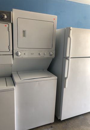 Frigidaire stackable washer and electric dryer for Sale in San Diego, CA