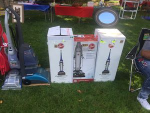 Hoover vacuums carpet cleaners and hand vacs (Most prices are negotiable) for Sale in Walton Hills, OH