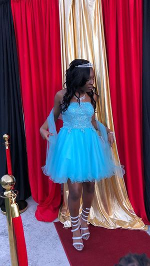 Light blue prom / homecoming dress for Sale in Miami Gardens, FL