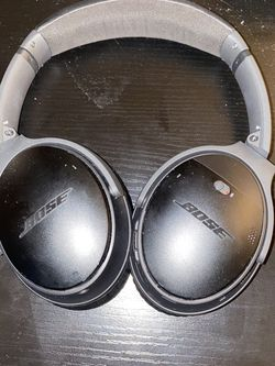 Bose Quiet Comfort 35 for Sale in Columbia,  MO