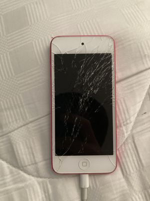 Apple iPod Touch- works but very cracked for Sale in Centreville, VA