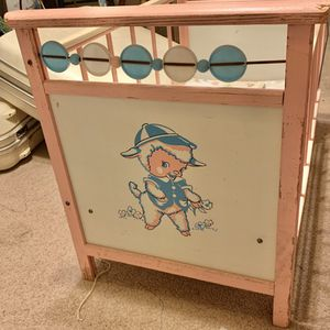 Vintage Doll Crib for Sale in Wood River, IL