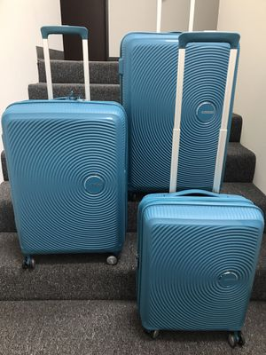 $110 New American Tourister Curio 3-piece Hardside Spinner Luggage Set Blue Color for Sale in Rosemead, CA