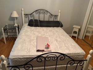 White Bedset for Sale in Denham Springs, LA
