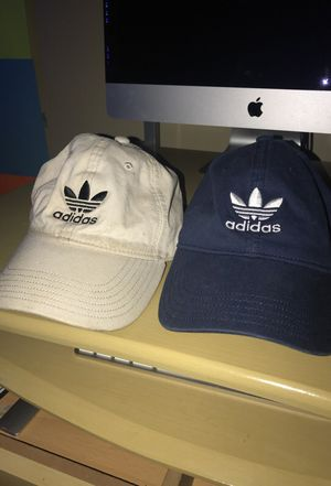 ADIDAS TAN HAT for Sale in Bolingbrook, IL