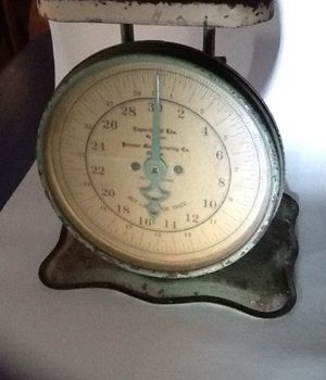 Antique Kitchen Scale for Sale in Maitland, FL