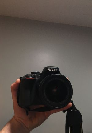 Nikon d3300 with lense and 64gb sd for Sale in Los Angeles, CA