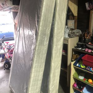 King Size Box Spring for Sale in Concord, CA