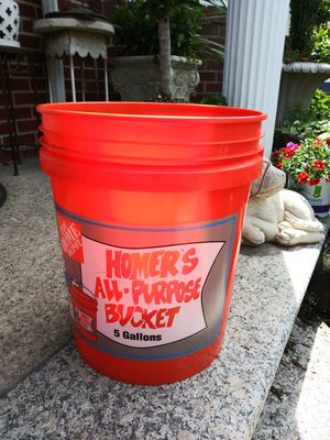 30-utility bucket with lids CHEAP!!!! for Sale in Passaic, NJ